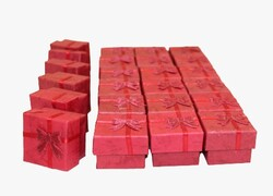 - Yüzük Kutusu Kırmızı Renkli 24'lü